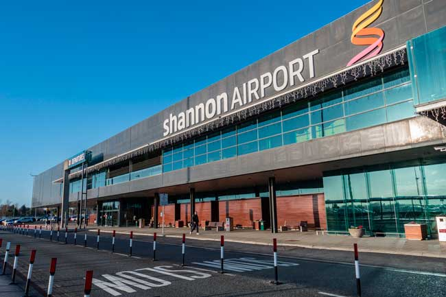 Shannon Airport has a single passenger terminal distributed into two levels.